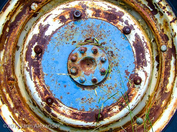 rusty-truck-wheel