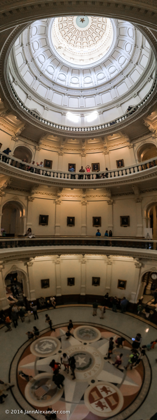 Texas-capitol-dome-panorama-interior