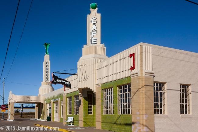 U Drop In, Shamrock, Texas by Jann Alexander ©2015